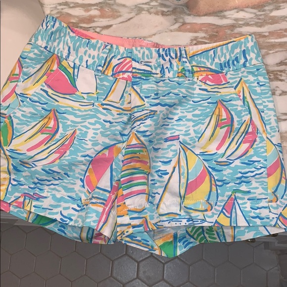 Lilly Pulitzer Pants - Lilly Pulitzer you gotta regatta shorts